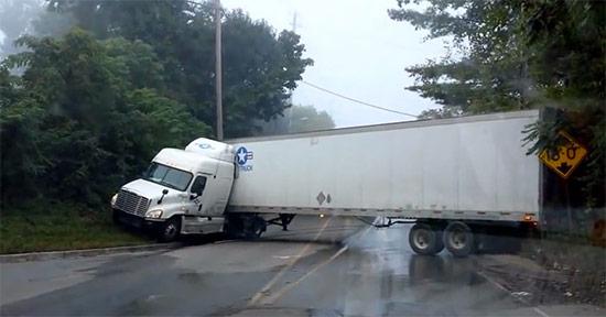 GPS truck trackers poor driving behaviours